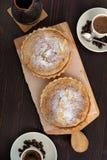 Las tartas se apelmazan con café Fotos de archivo