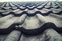Las tejas de tejado se cierran encima de la foto de la acción de la textura Foto de archivo