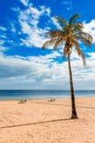 Las Teresitas, Тенерифе, Канарские острова, Испания: Пляж Las Teresitas и деревня San Andres стоковые фото