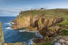 Las tierras terminan la atracción turística inglesa de Cornualles Inglaterra la mayoría del punto del oeste del país y de la atrac foto de archivo