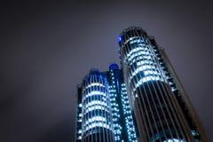 Las torres de la noche imagen de archivo libre de regalías