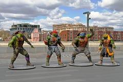Las tortugas adolescentes del ninja del mutante figuran en el parque Muzeon en Moscú Imagen de archivo