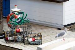 Las trampas del cangrejo con todas adaptan necesario para la pesca acertada del cangrejo para el alquiler imagen de archivo libre de regalías