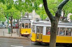 Las tranvías viejas en Lisboa Fotos de archivo
