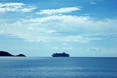 Las travesías se parquean en el mar fotografía de archivo