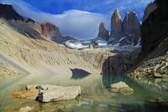 Las tres torres en el parque nacional de Torres del Paine, Patagonia Imagen de archivo libre de regalías