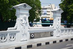 Las ubicaciones históricas de los lugares en el puente de Mahadthai Utit de Thaila Fotografía de archivo libre de regalías