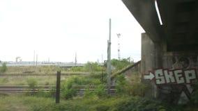 Las vías de ferrocarril de Lyon acercan a la estación de tren de la parte-Dieu metrajes