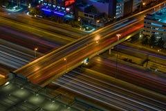 Las Vegas-Überführungs-Nachtzeit stockfoto
