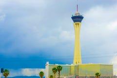 Las Vegas Amerikas förenta stater - Maj 07, 2016: Stratosfärhotell och kasino på den Las Vegas remsan, Fotografering för Bildbyråer