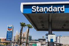 Las Vegas - cerca do julho de 2017: Estação de gasolina padrão do óleo O nome padrão é uma marca registrada do Chevron Corporaçõ  fotos de stock