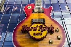 Las Vegas - circa diciembre de 2016: El Hard Rock Cafe en la tira La muestra del heavy se integra en Gibson Les Paul Guitar II fotografía de archivo libre de regalías
