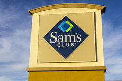 Las Vegas - circa im Dezember 2016: Sam-` s Club-Lager-Logo und Signage II Stockfotografie