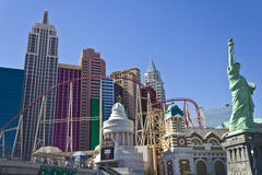 Las Vegas - circa im Juli 2016: Achterbahn und Fassade des neuen York-neuen York-Hotels und des Kasinos I Stockfotografie