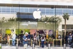 Las Vegas - Circa Juli 2017: Kleinhandels de Wandelgalerijplaats van Apple Store Apple verkoopt en de diensten iPhones, iPads, iM Stock Afbeeldingen