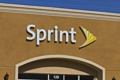 Las Vegas - Circa Juli 2016: Sprinta det återförsäljnings- trådlösa lagret Sprint är ett dotterbolag av Japan's SoftBank Gruppe arkivbilder