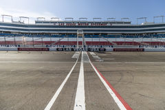 Las Vegas - Circa Juli 2017: Starta mållinjen på Las Vegas Motor Speedway LVMS är värd NASCAR- och NHRA-händelser VI Arkivfoto