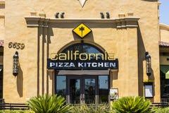 Las Vegas - Circa Juli 2017: Van de de Pizzakeuken van Californië het Toevallige Restaurant CPK dient innovatieve pizza's zoals B Stock Fotografie