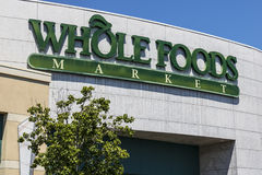 Las Vegas - Circa Juli 2017: Whole Foods marknad Amasonen meddelade en överenskommelse att köpa Whole Foods för $13 7 miljard dro Fotografering för Bildbyråer