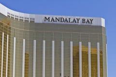 Las Vegas - Circa Juli 2016: Yttersida och Signage av det Mandalay fjärdhotellet Den Mandalay fjärden är ett dotterbolag av MGM t Royaltyfria Bilder