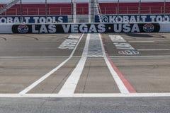 Las Vegas - circa julio de 2017: Comience la meta en Las Vegas Motor Speedway LVMS recibe eventos de NASCAR y de NHRA III imagenes de archivo