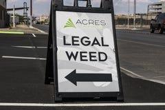 Las Vegas - circa luglio 2017: Acri della cannabis della marijuana di dispensario del deposito Il del 2017, il vaso ricreativo è  immagine stock