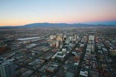 LAS VEGAS - CIRCA 2014: Panorama aereo di tramonto di Vegas, w descritto Immagini Stock