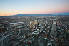 LAS VEGAS - CIRCA 2014: Vegas-Sonnenuntergangluftpanorama, gekennzeichnetes w Stockbilder