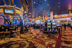 Las Vegas - 12 de dezembro de 2013: Casinos famosos de Las Vegas em Decem Imagens de Stock Royalty Free