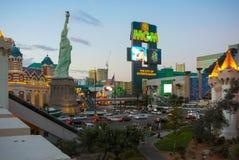 Las Vegas en la opinión de la puesta del sol sobre la tira Fotos de archivo libres de regalías