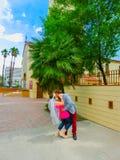 Las Vegas, Estados Unidos da América - 7 de maio de 2016: Casamento em Las Vegas na capela branca pequena foto de stock royalty free