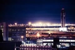 Las Vegas flygplats på natten arkivfoto