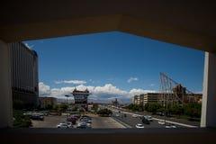 Las Vegas gesehen von einem großen Fenster stockfoto