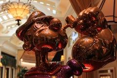 LAS VEGAS - La exhibición de Jeff Koons Popeye Sculpture en Las Vegas Imagen de archivo libre de regalías