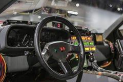 Las Vegas, los E.E.U.U., septiembre de 2016 DMC DeLorean de nuevo al interior futuro del coche de la película en el exebition aut imágenes de archivo libres de regalías