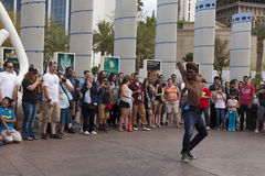 Le gazon d'interprète de rue stupéfie des touristes à Las Vegas, nanovolt mars Images libres de droits