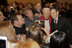 LAS VEGAS, NANOVOLT - 14 DE DEZEMBRO: As poses republicanas do senador Marco Rubio do candidato presidencial para a câmera na cam Fotografia de Stock