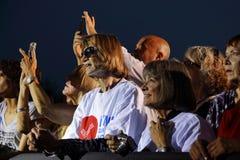 LAS VEGAS, NANOVOLT - 14 DE OUTUBRO DE 2015: Os memebers e os suportes da audiência sorriem em Hillary Clinton, U anterior S secr Fotos de Stock Royalty Free
