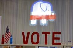 LAS VEGAS, NANOVOLT - DEZ, 15, 2015: Republikanische CNN-Präsidentendebatte am venetianischen Kasino zeigt Abstimmungs-Zeichen un Lizenzfreies Stockfoto