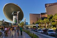 Las Vegas, nanovolt, EUA - 29 de junho de 2009 - da vista tira de Las Vegas para baixo com o casino do encore e do Wynn Imagens de Stock Royalty Free