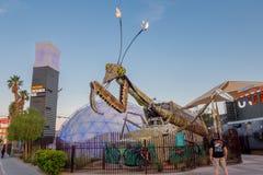 LAS VEGAS, NANOVOLT - 21 NOVEMBRE 2016 : Sculpture géante en mante de prière devant le parc de récipient à Las Vegas du centre Image libre de droits