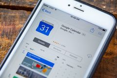 LAS VEGAS, nanovoltio - 22 de septiembre 2016 - Google hace calendarios el iPhone App Imágenes de archivo libres de regalías