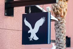 LAS VEGAS, NEVADA - Augustus tweeëntwintigste, 2016: Amerikaans Eagle Logo On St Royalty-vrije Stock Afbeeldingen