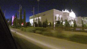 LAS VEGAS, NEVADA - CIRCA IM APRIL 2015: Fahren des Autos im Verkehr auf Straßen von Las Vegas, Nevada, USA stock video footage