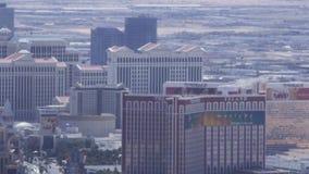 LAS VEGAS, NEVADA - CIRCA IM APRIL 2015: Fahren des Autos im Verkehr auf Straßen von Las Vegas, Nevada, USA stock footage