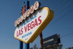 Las Vegas, Nevada - 13 octobre 2017 : Un mémorial près de l'accueil au signe de Las Vegas pour des victimes de tir de Las Vegas s images stock