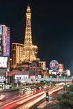 Las Vegas, Nevada, S 30 agosto 2017: Traffico nel moto La striscia Torre Eiffel Immagine Stock Libera da Diritti