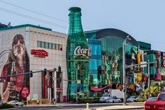 LAs VEGAS, NEVADA/USA - AUGUST 1 ; View of Replica Coca Cola bot. Tle in Las Vegas Nevada on August 1, 2011. Unidentified men and women royalty free stock photos
