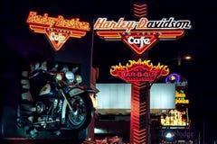 Las Vegas, NEVADA/USA - 2 de agosto; Harley Davidson Cafe en la noche imagenes de archivo