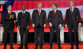 LAS VEGAS NV - DECEMBER 15: Republikanska presidentkandidater (L-R) Marco Rubio, Ben Carson, Donald Trump, Sen Ted Cruz Jeb Bu Royaltyfri Bild